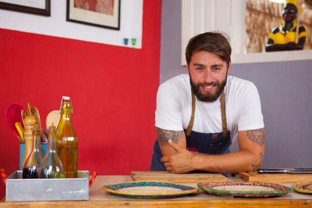 chef-pedro-benoliel-tempero-na-mochila-food-network (Foto: Açony Santos/Divulgação)