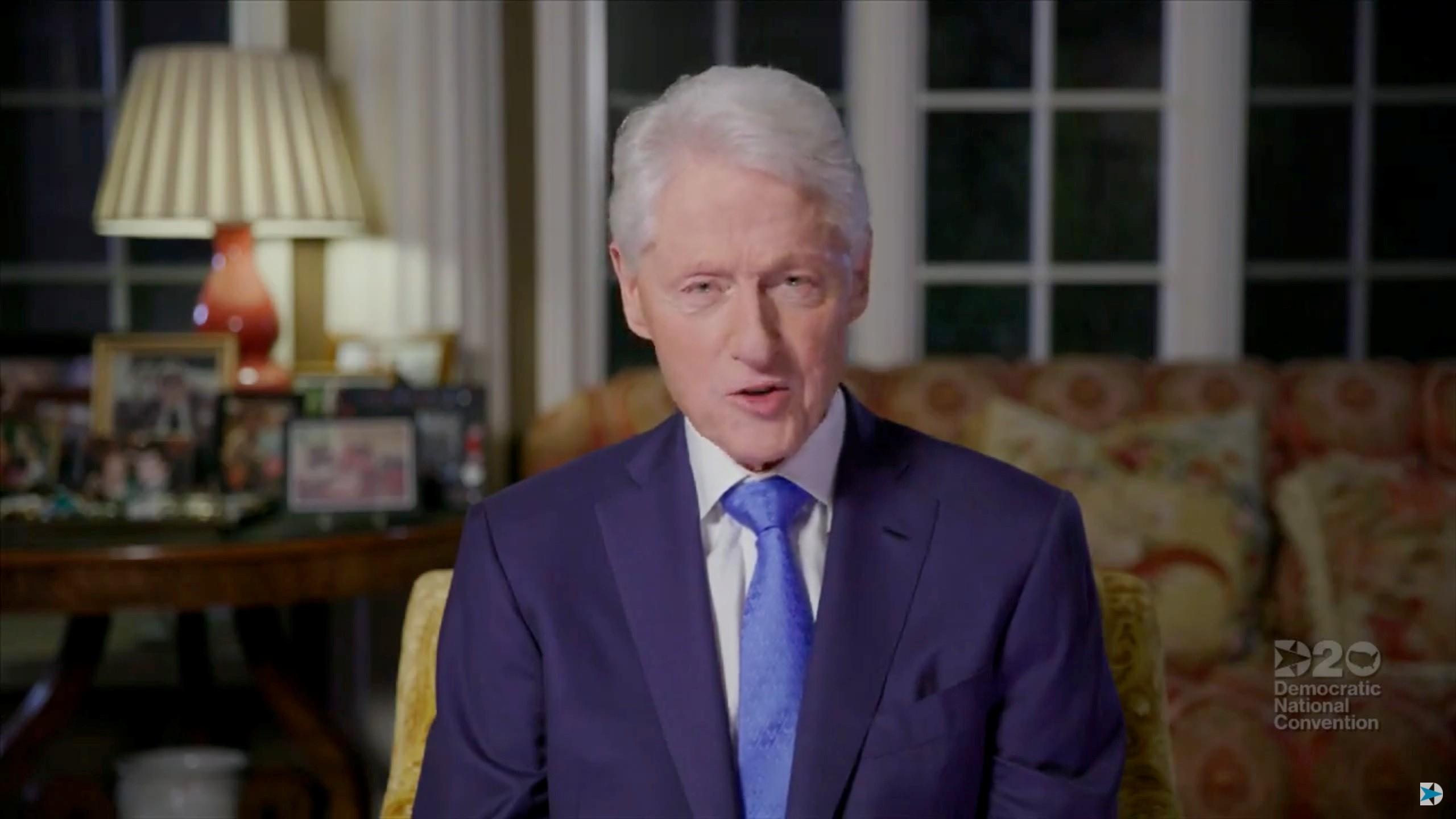 Ex-presidente dos EUA Bill Clinton tem melhora após internação por conta de uma infecção, diz porta-voz