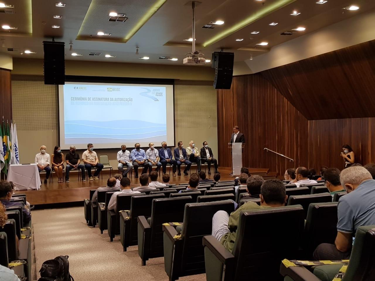 Em Natal, ministério anuncia instalação de transformador em subestação paraibana para escoar energia produzida no RN