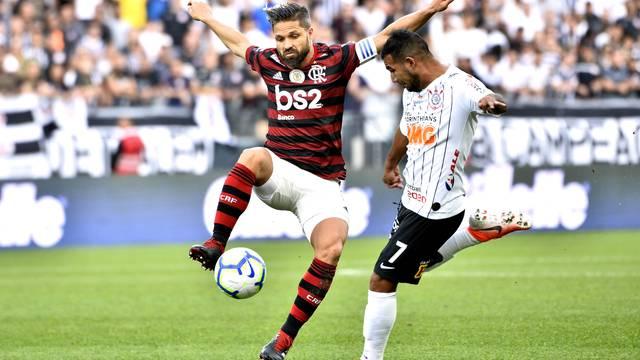 Corinthians x Flamengo - Diego e Sornoza