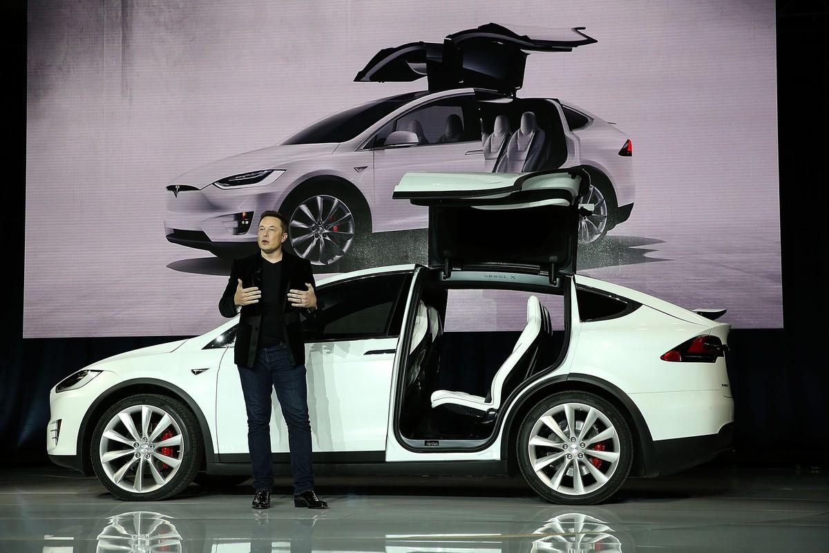 Fabricante de carros elétricos Tesla supera a Ford em valor de mercado