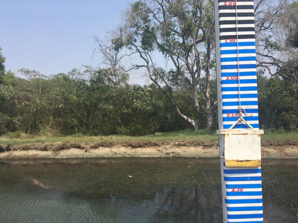 Lagoa de captação do Rio Batalha em Bauru chegou a 2,23 metros nesta terça-feira (15)  — Foto: Vanessa Aguiar/TV TEM