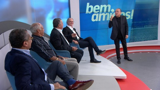 """No Bem, Amigos!, Galvão relembra """"golpe"""" de Arnaldo Cezar Coelho nos tempos de árbitro"""