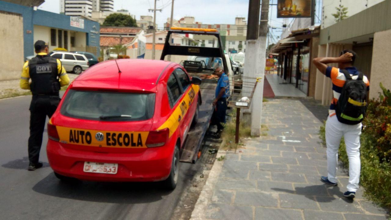 Instrutor de autoescola de Maceió é flagrado dirigindo com habilitação vencida