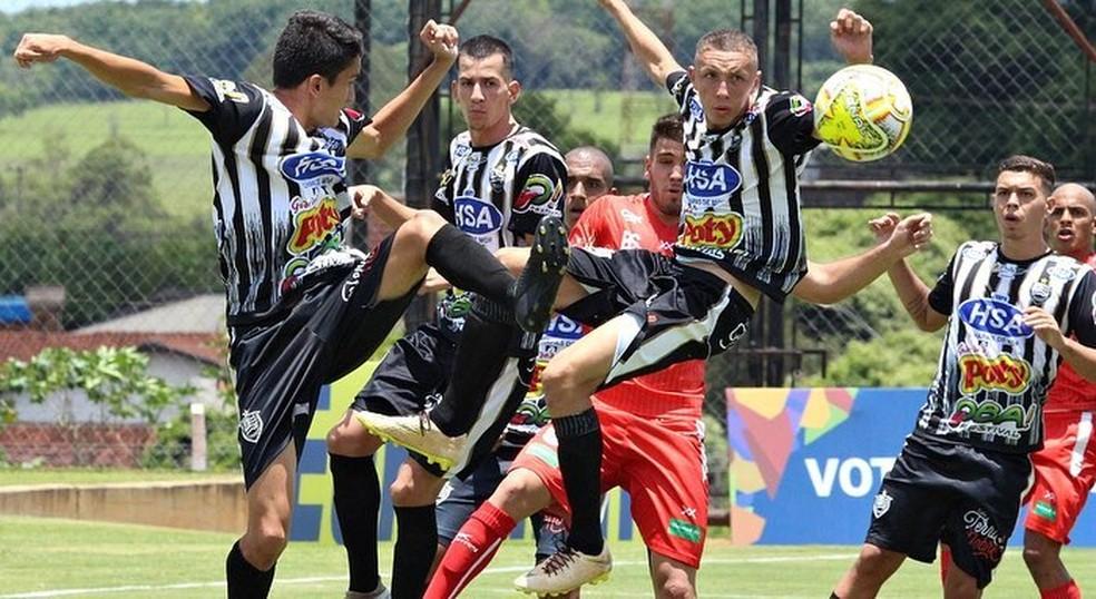 ... Votuporanguense venceu o Batatais no confronto paulista — Foto  Rafael  Nascimento   CAV b3a01ccafc952