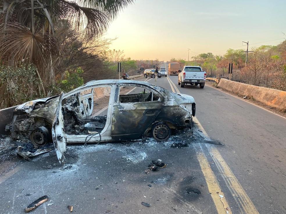 Motociclista morre após carro colidir de frente com moto na BR-010, no Maranhão. — Foto: Divulgação/PRF.