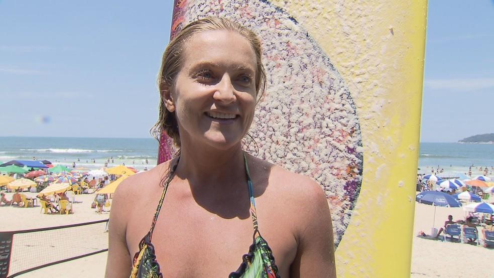 """Surfista relata resgate de piloto de avião que caiu no mar em Guarujá, SP: """"Nunca vou esquecer"""" — Foto: Reprodução/TV Tribuna"""