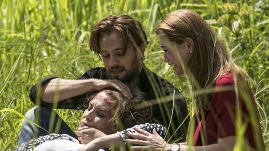 Felipe e Lívia se arriscam para tentar salvar Emília