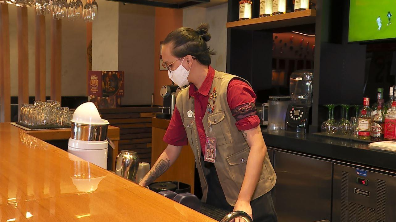 Abrasel estima que 30% de donos de bares e restaurantes devem contratar no fim de ano em Ribeirão Preto