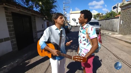 Primeiro 'Vumbora' ao vivo mostrou a cultura peculiar de Itapuã