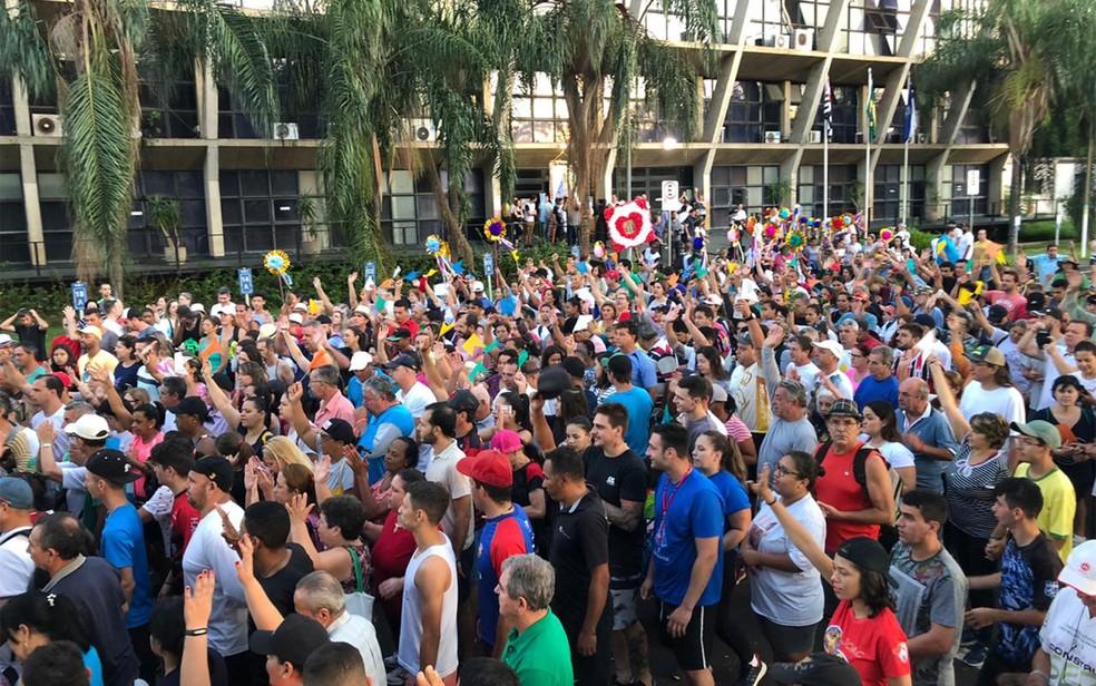 Devotos de Nossa Senhora Aparecida participam de romaria em Ribeirão Preto (SP) — Foto: Nathália Bovi/G1/Arquivo