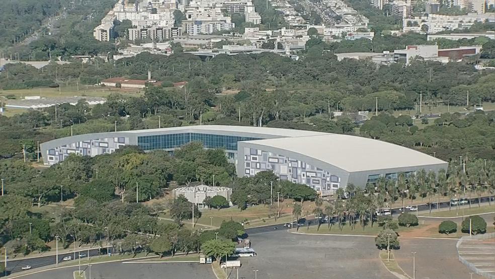 Obras não entregues para a Copa do Mundo de 2014: túneis e passagens no Centro de Convenções Ulysses Guimarães (Foto: TV Globo/Reprodução)