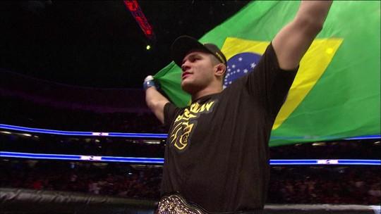 Em boa fase, no UFC, Junior Cigano enfrenta terceiro colocado no ranking dos pesados