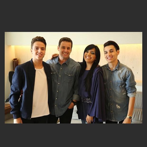 Lucas, Odilon, Eyshila e Matheus (Foto: Reprodução/Instagram)