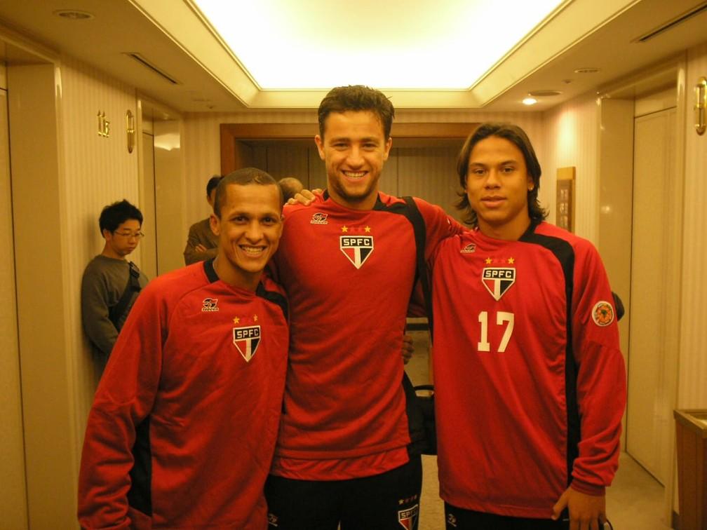 Souza, Alex Bruno e Renan, do São Paulo, no hotel em Yokohama — Foto: Arquivo Pessoal Souza