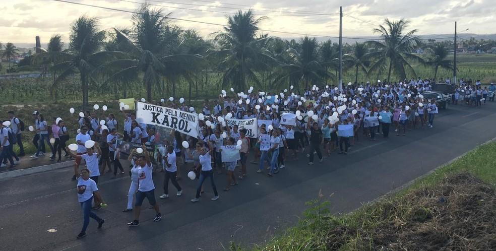 Protesto em Goianinha pede justiça no caso da adolescente morta na Paraíba — Foto: Heloísa Guimarães/Inter TV Cabugi