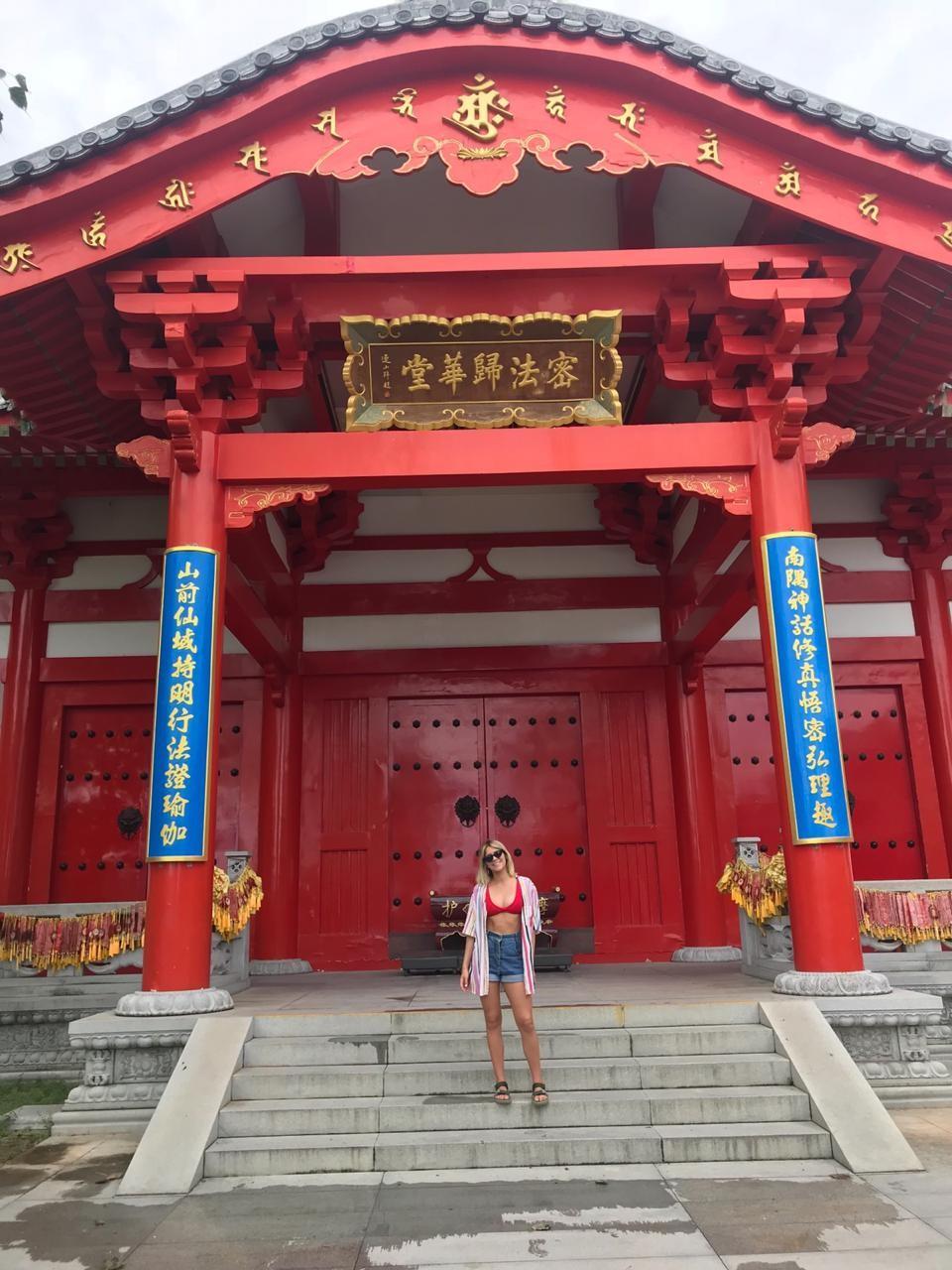 Isabella Santoni na China (Foto: Caio Vaz)