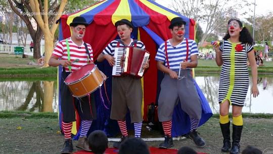 Grupo Vagão anima a tarde de Dia das Crianças e comemora aproximação com público