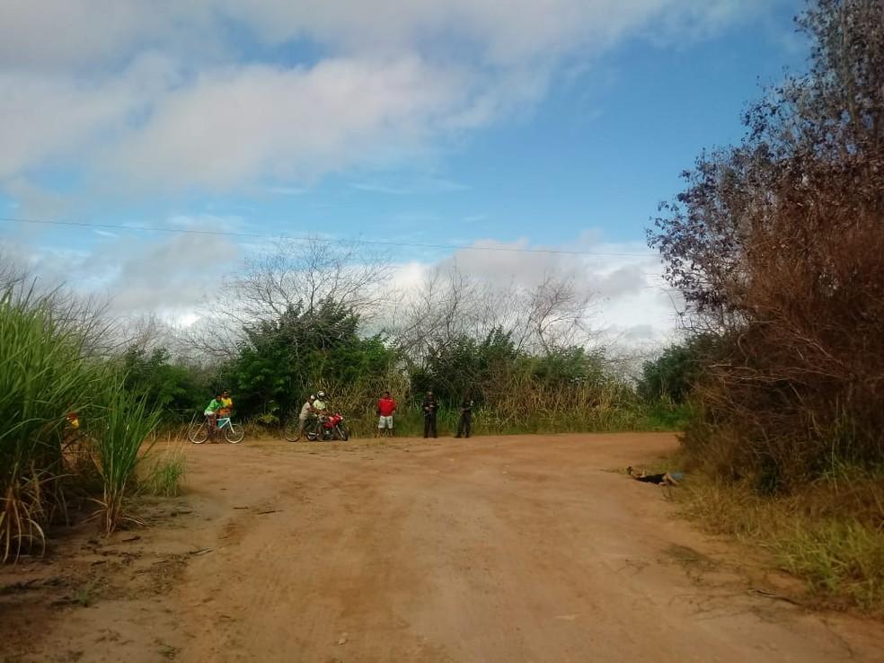 Local em que o adolescente foi encontrado é distante do centro da cidade (Foto: Olinto Bezerra/Inter TV Cabugi)