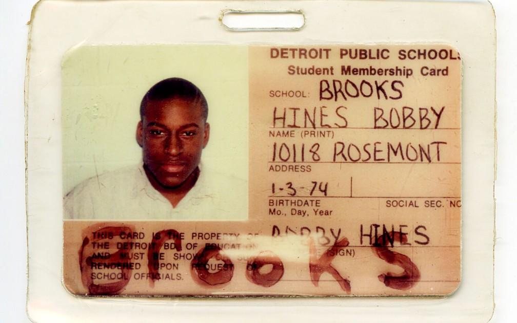 A carteira de estudante de Bobby Hines da época em que ele foi detido, aos 15 anos (Foto: ACLU via AP)