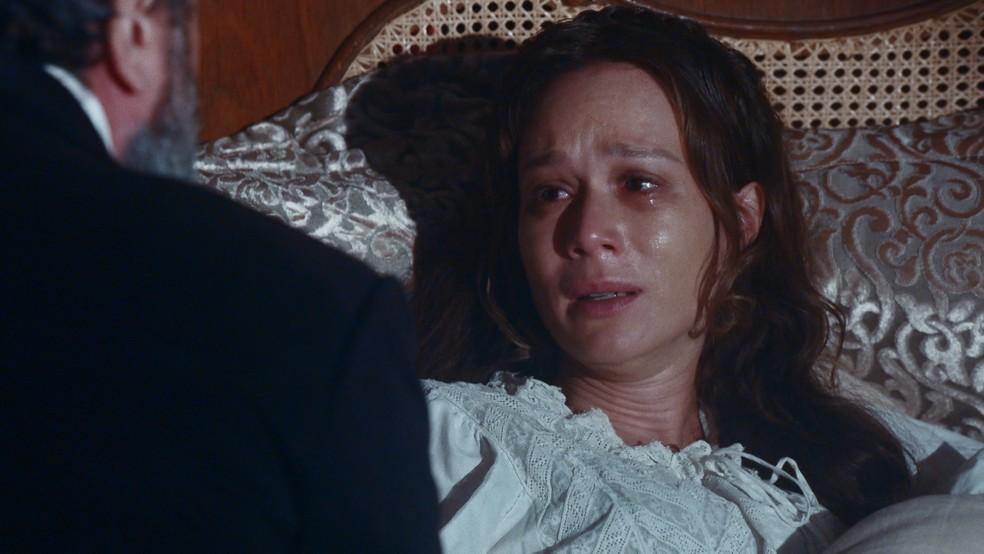 Luísa (Mariana Ximenes) conta que perdeu o bebê a Dom Pedro II (Selton Mello) em 'Nos Tempos do Imperador' — Foto: Globo