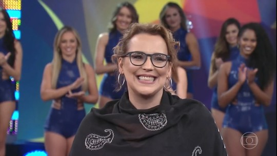 Ana Beatriz Nogueira se emociona em quadro sobre gratidão no 'Domingão'