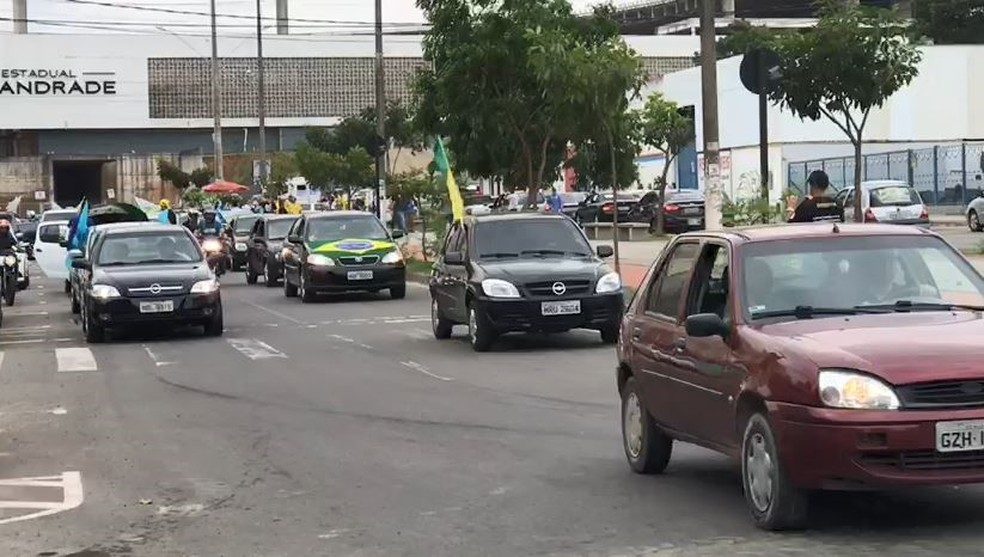 Carreata de apoiadores de Jair Bolsonaro em Cariacica, Grande Vitória (ES). — Foto: Leandro Tedesco / TV Gazeta