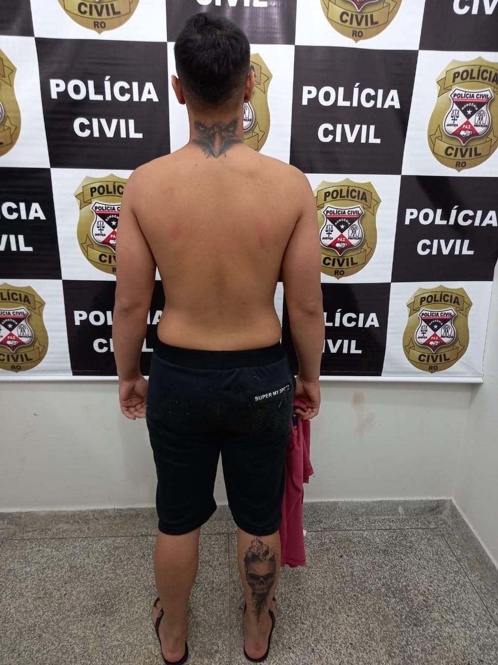 Suspeito é preso pela Polícia Civil de Ariquemes na operação Exctasy — Foto: Divulgação