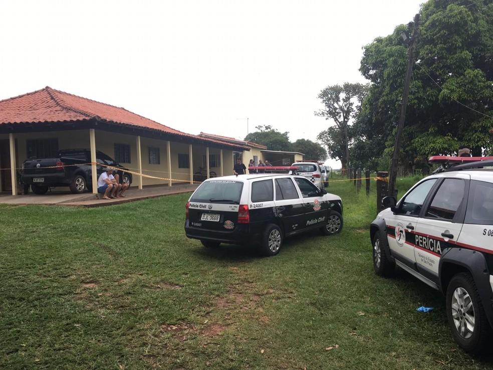 Casal foi encontrado morto em propriedade rural em Santo Expedito — Foto: Aline Costa/G1