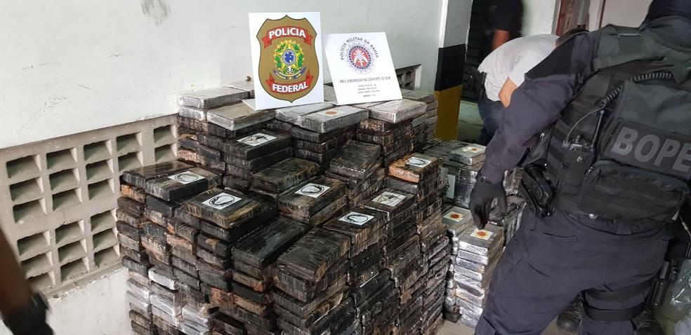 Drogas foram apreendidas por equipes do  Batalhão de Operações Policiais Especiais (Bope) — Foto: Kelly Hosana/SSP-BA