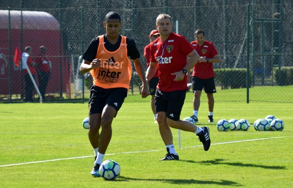 ab3ab72c39 Bruno Alves tem melhor média entre os zagueiros do São Paulo  veja os  números