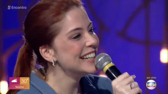 Bia Arantes se emociona com mensagem surpresa dos pais