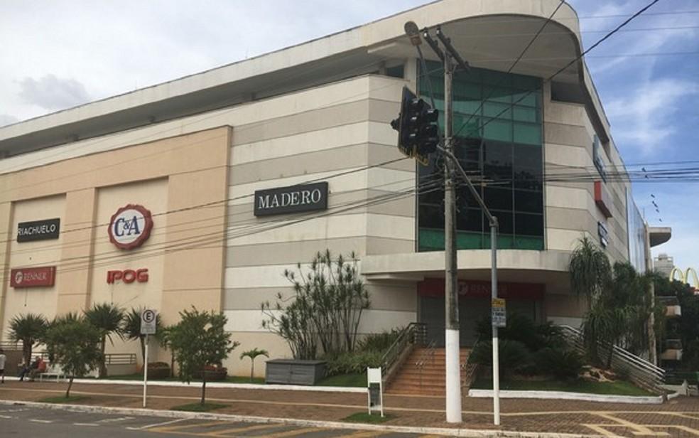 Goiânia Shopping abre durante feriado de Corpus Christi — Foto: Vanessa Chaves/G1