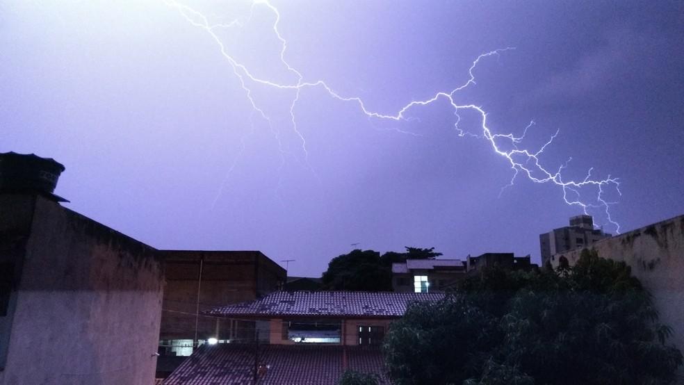 -  Ceará tem mais de quatro mil raios em duas semanas de abril, diz Enel  Foto: Marcelo de Nardi Zanetti/VC no G1