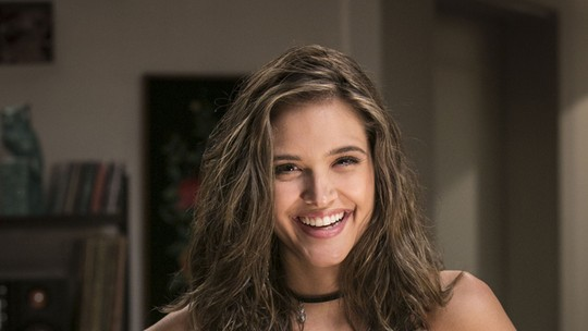 Juliana Paiva comemora sucesso de spin-off e se despede de Cassandra
