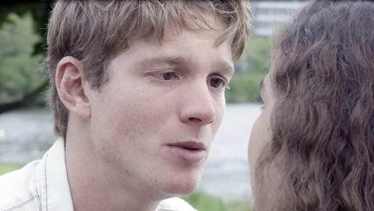 Filipe fica arrasado com reação de Rita depois de beijo