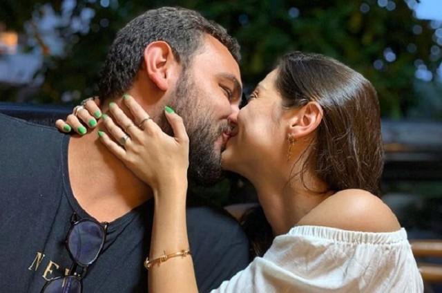 Polliana Aleixo com o namorado (Foto: Reprodução)