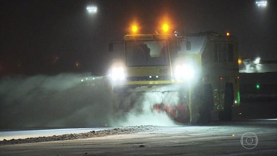 Apesar da neve, esquema sustentável mantém aeroporto de Oslo funcionando