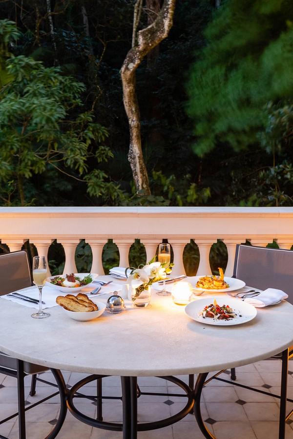 Aposte em um jantar mais intimista para o casal!  (Foto: Divulgação)