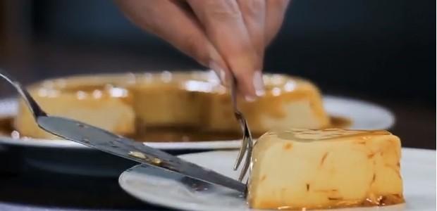 Pudim de leite condensado de micro-ondas, do Fabricio Brockveld, da Plasvale (Foto: Plasvale/Divulgação )