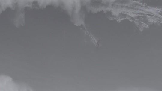 Veja o vídeo da onda gigante que quase tirou a vida de Pedro Scooby em Nazaré
