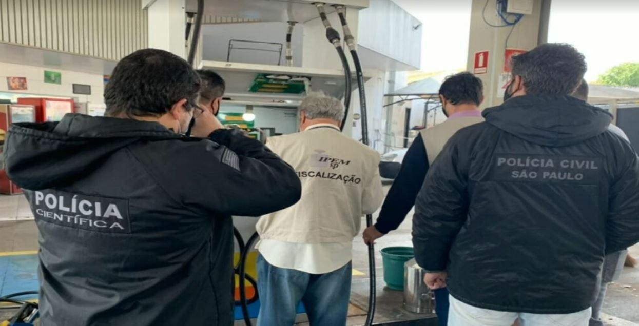 Operação contra fraude em postos de combustíveis prende dois gerentes em Araras