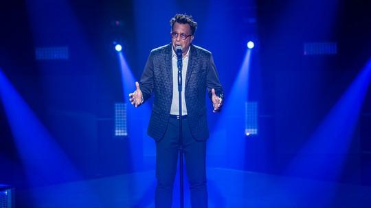 Pelo Time Teló, Tony Gordon se apresenta e anima a plateia do 'The Voice'
