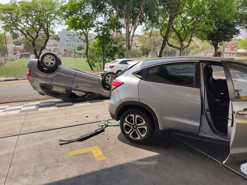 Acidente foi na manhã desta terça-feira (15), em Presidente Prudente — Foto: Aline Costa/G1