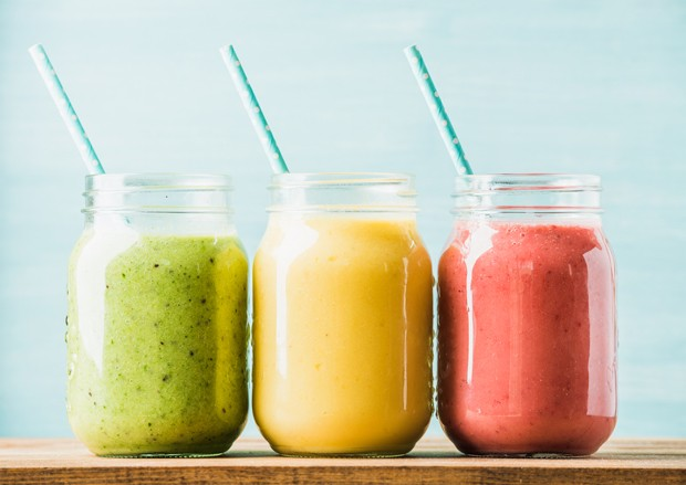 Confira as receitas de bebidas saudáveis da nutricionista Luna Azevedo para pular o Carnaval cuidando da saúde (Foto: Thinkstock)