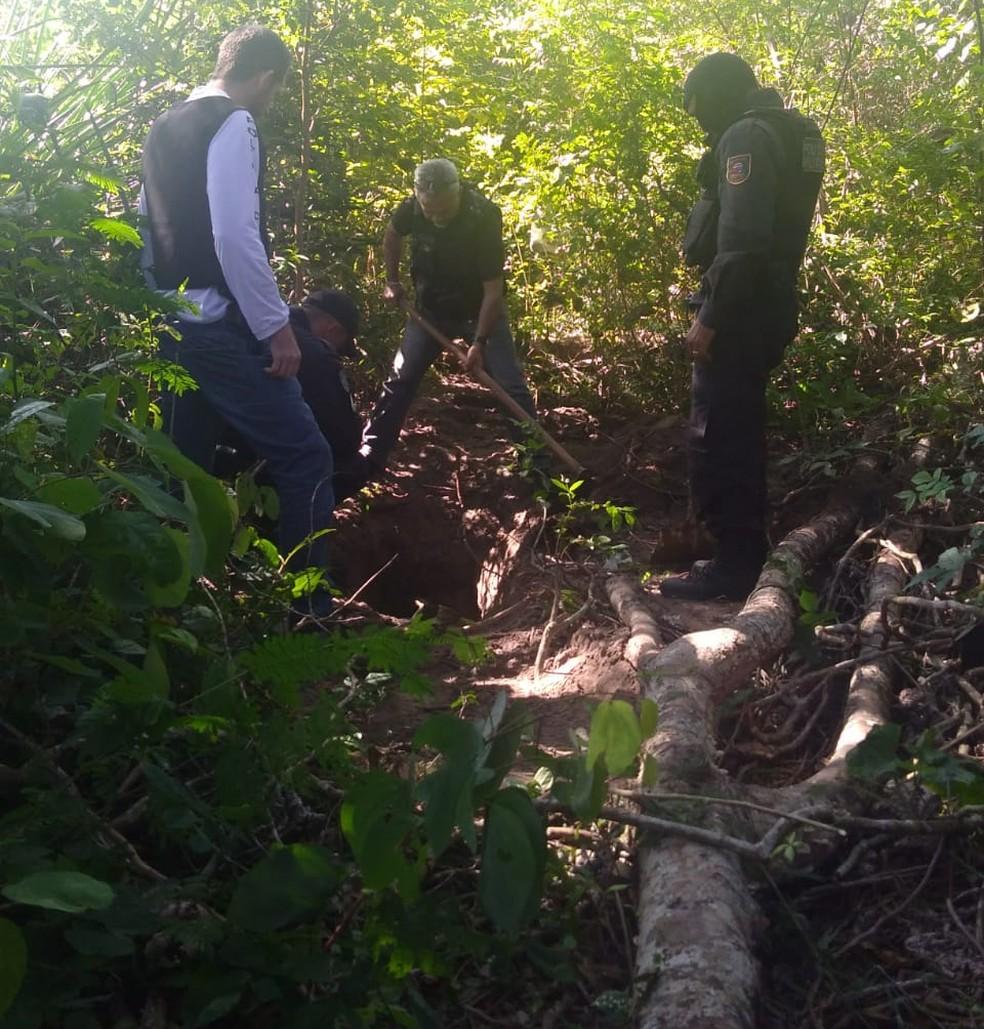Polícia encontrou ossada em região de mata na comunidade dos Barreiros, em São Gonçalo do Amarante (Foto: Divulgação/Polícia Civil)