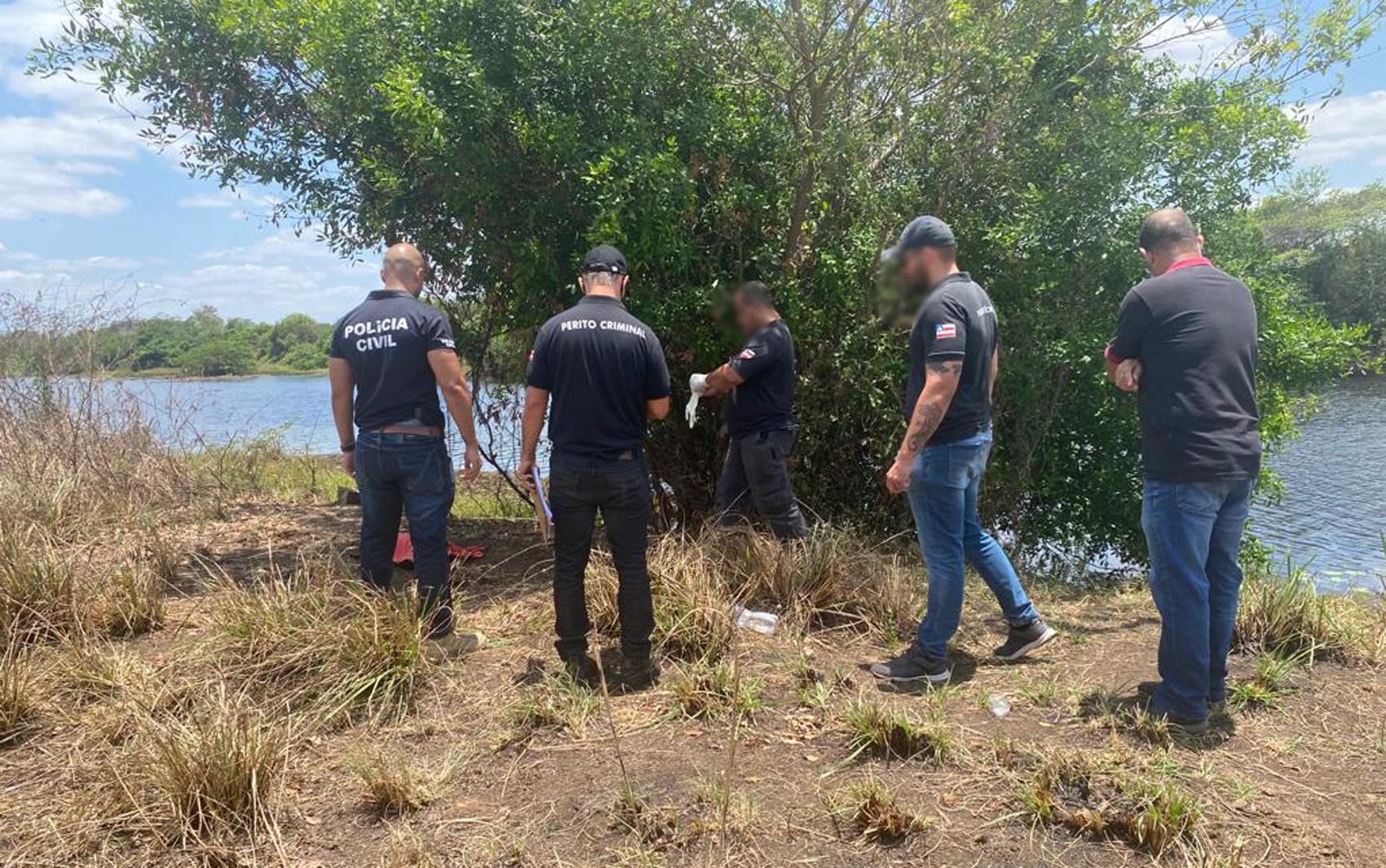 Menino de 2 anos é achado morto perto de rio na BA; mãe é suspeita de arremessar criança na água