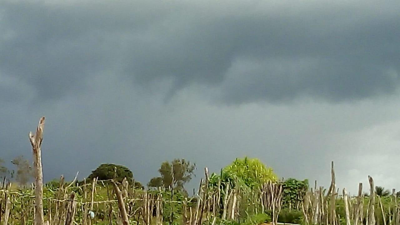 Madrugada tem temperaturas baixas e chuvas em mais de 70 municípios do Ceará