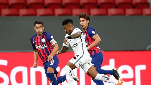 Marinho foi titular contra o San Lorenzo e saiu na metade do segundo tempo