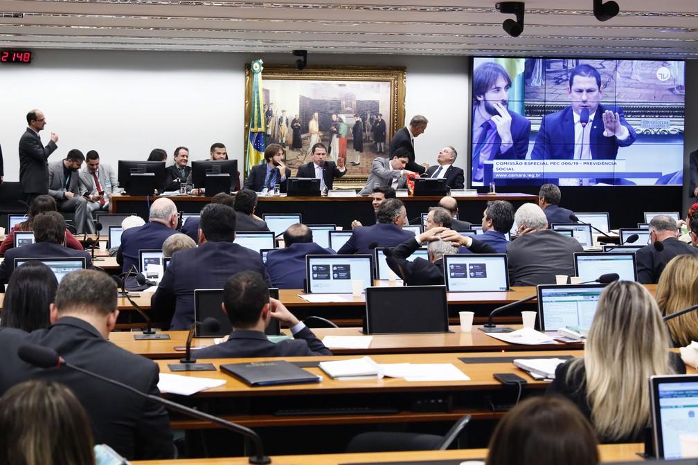 Integrantes da comissão especial deram aval às alterações feitas na redação da proposta de reforma da Previdência — Foto: Luis Macedo, Câmara dos Deputados